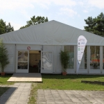 Zelt 12x25m mit Fensterelementen