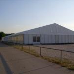 Zelt 15x75m mit Kunststofffassade